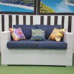 Фото - Белый диван из искусственного ротанга Louisiana white & blue 2-х местный
